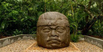 Olmec culture giant head Mesoamerica