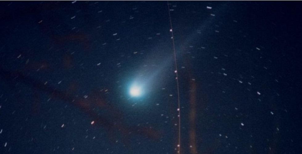comet example Hyakutake