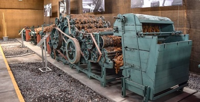 import substitution model latin american textile economy isi