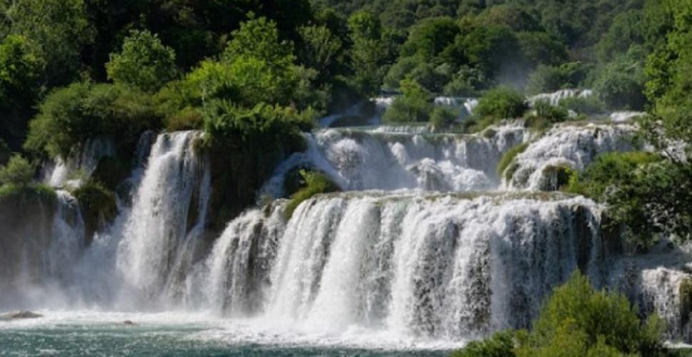 cascade liquid water states