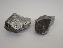 uses of Manganese and atomic properties